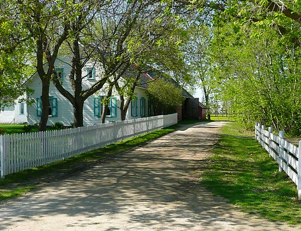 Alley Backstreet Buildings Architecture Mennonite