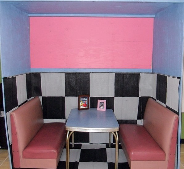 Diner Patron Monuments Cubicle Places Pink Flushed