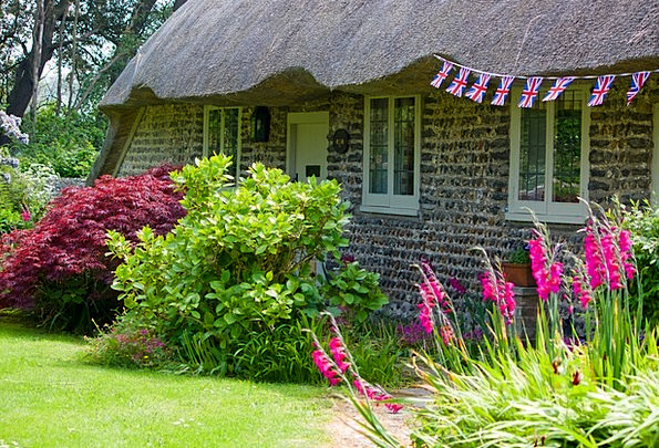Thatched Cottage Buildings Roofing Architecture Ro