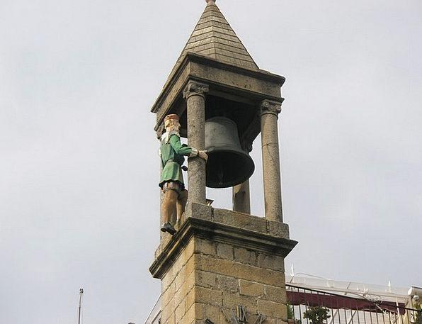 Plasencia Campaign Movement Spain Sculpture Statue