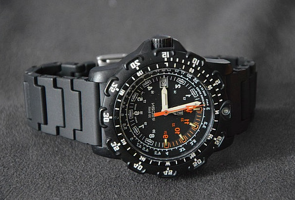 Watch Timepiece Knob Black Dial Carbon Glow Dark R