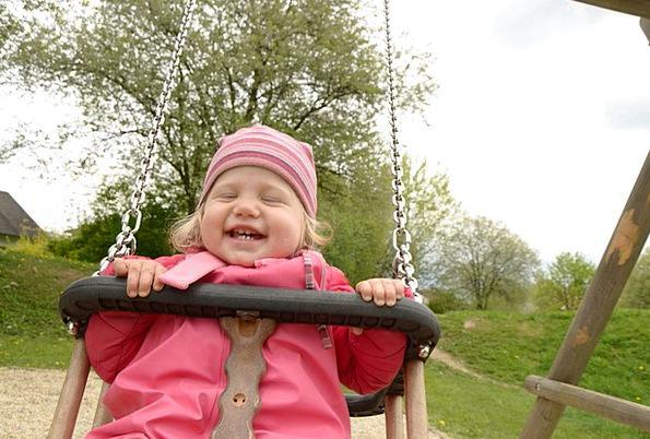 Girl Lassie Swipe Park Common Swing Playground Roc