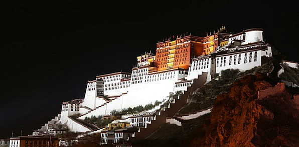 The Potala Palace Night Nightly Tibet The Solemn T