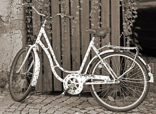 Bike Motorbike Old Ancient Lady'S Bike Nostalgic S