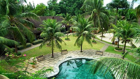 Pool Pond Vacation Options Travel Tropics Resorts