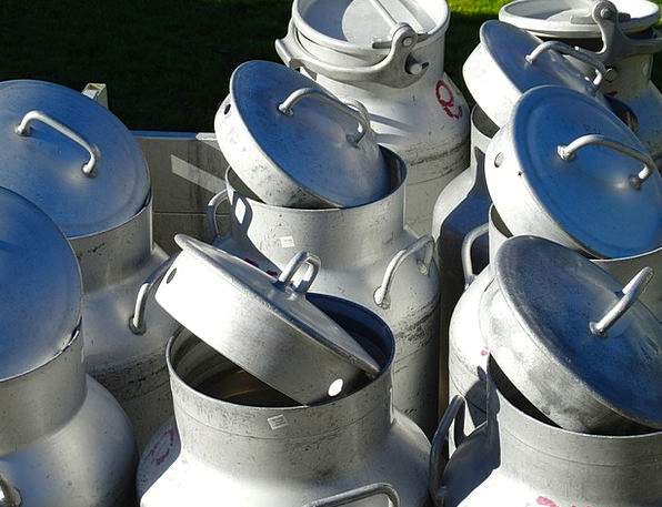 Milk Cans Dairy Farming Milchtransport Alukessel