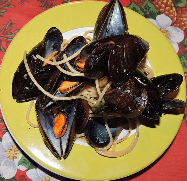 Spaghetti Drink Food Dish Plate Mussels Eat Bother